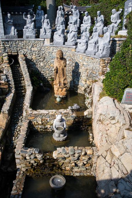 Lingua Asia_Gijang_Haedong Yonggungsa_Statue_Korean Age