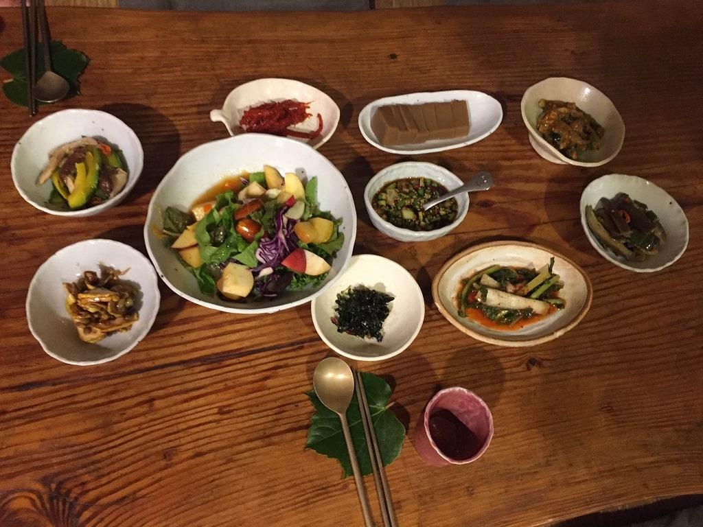 Lingua Asia_Korean Food_Banchan Etiquette