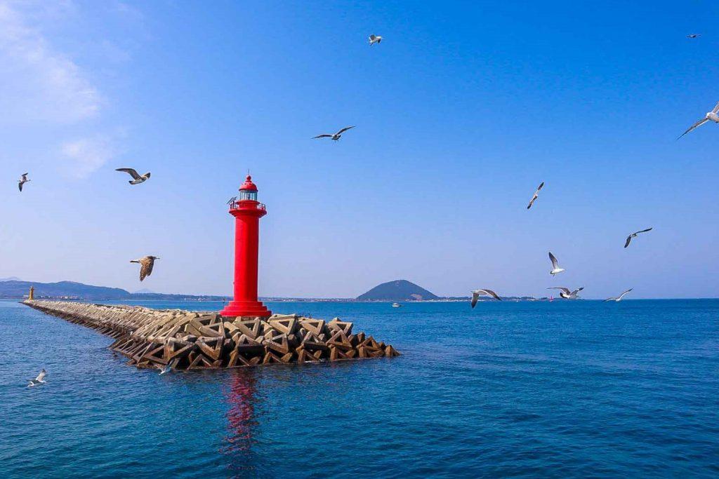 jeju red lighthouse
